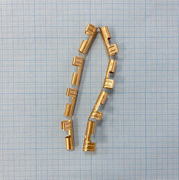 Клемма присоединительная 6 мм для кабеля поджига диаметром 7 мм